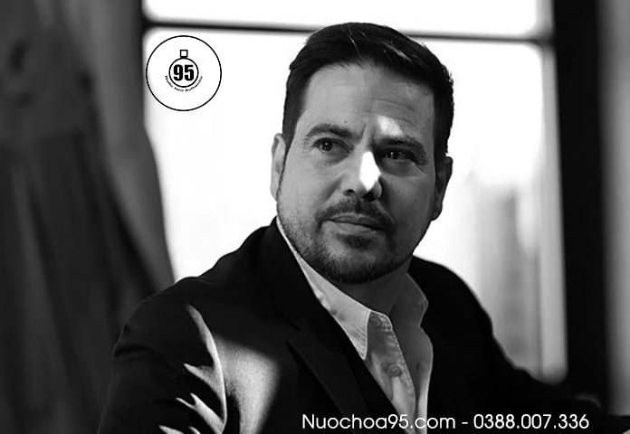 Hình ảnh ông Narciso Rodriguez III người sáng lập ra thương hiệu Narciso Rodriguez